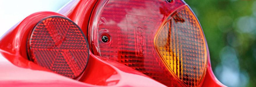 catadioptre ou dispositif rétro-réfléchissant pour voiture
